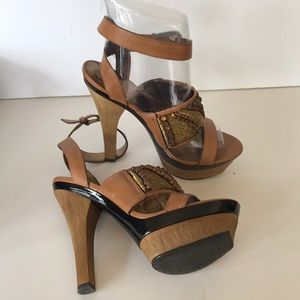 New Pelle Moda MALLY Platforms Sz 8 original $285